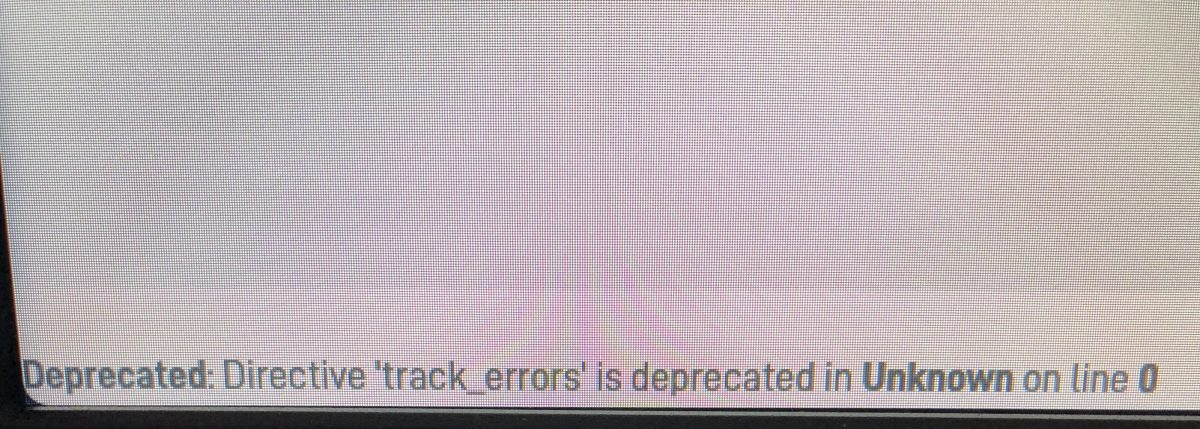 "Como remover a mensagem ""Deprecated: Directive 'track_errors' is deprecated in Unknown on line 0"" no WordPress"
